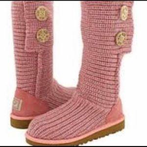 Like new, UGG knit boots